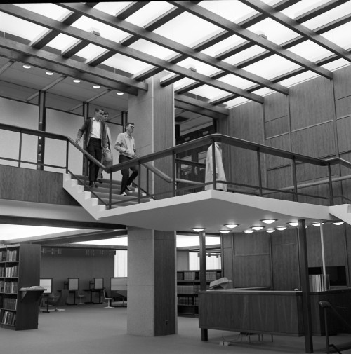 Students exploring the newly opened Frost Library in September of 1965