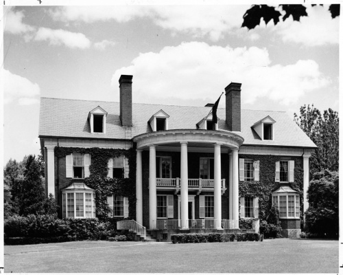 Drew House, formerly Phi Alpha Psi/Phi Kappa Psi fraternity. Built 1866; remodeled by Allen Cox, architect, 1922.