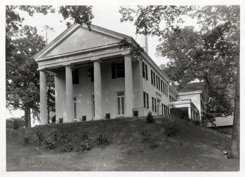 Marsh House, formerly Phi Gamma Delta. Robert Cutler, builder, ca. 1835; significant renovation by Karl S. Putnam, architect, 1929.