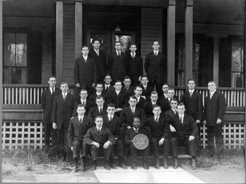Delta_Upsilon_1908