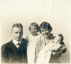 From left, Laurens, Dorothea, Kate, and Mary Averett Seelye, ca. December, 1919.