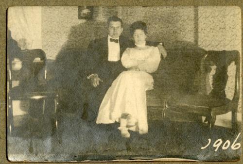 Ward_Dora-1906-body_language