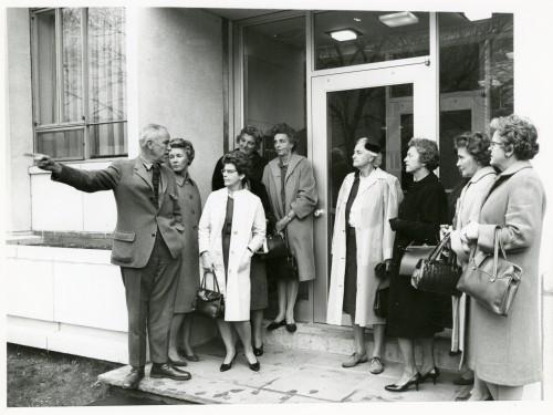Social dorms- 1962 trustee spouses visit Crossett B&G b19 f2