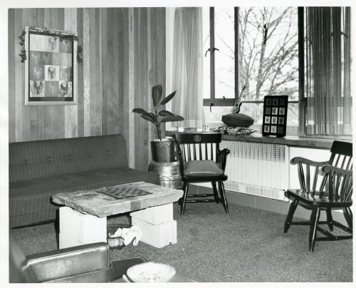 Social dorms- Coolidge interior B&G b18 f85